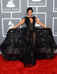 ashanti-arrives-at-the-55th-annual-grammy-awards-at-staples-center-in-los-angeles-california_420x545_82