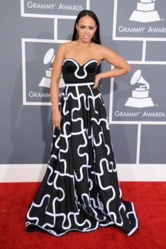 elle_varner_attends_the_55th_annual_grammy_awards_at_staples_center_347x520_82