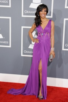 shaun-robinson-attends-the-55th-annual-grammy-awards-at-staples-center-in-los-angeles-california_347x520_67
